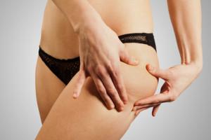Cuisse de femme mince sans cellulite