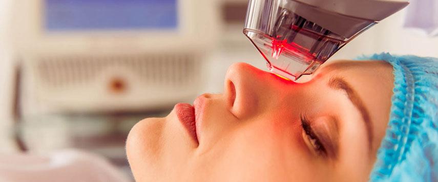 Terapia fotodinâmica é tratamento eficaz para câncer de pele, acne e rejuvenescimento